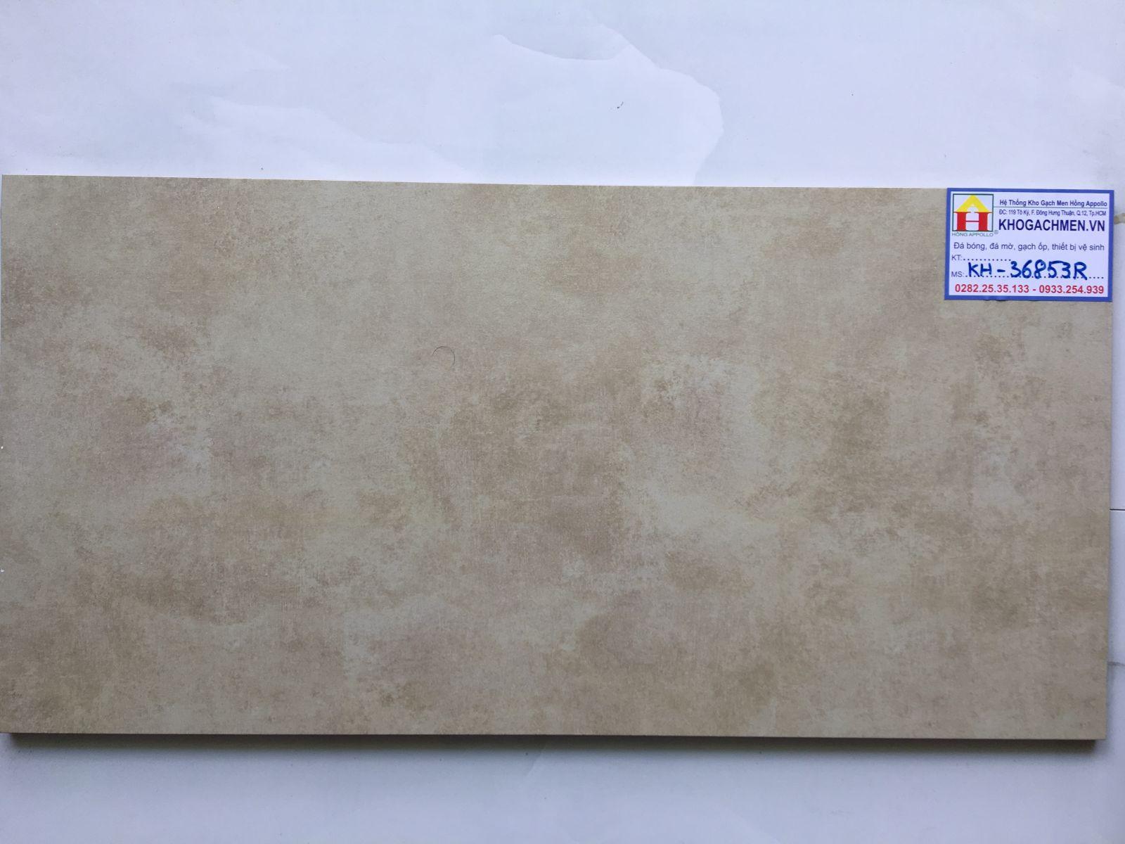 ĐÁ MỜ 30X60 ROYAL 36853, GẠCH MỜ 30X60 HOÀNG GIA 36853 ** Gạch 30x60 Hoàng Gia được sản xuất tại Việt Nam, với các xu hướng thiết kế mới nhất của thị trường toàn cầu và nâng cao chất lượng sản phẩm. Royal luôn đầu tư nguồn lực lớn công nghệ tiên tiến với dây chuyền sản xuất hiện đại nhất từ châu âu cùng với chính sách bảo vệ môi trường. Tập đoàn Hoàng Gia đã xuất khẩu các sản phẩm gạch mờ ốp lát sang nhiều nước trên thế giới như các nước châu âu, Úc, Thái Lan, Malaysia..... ** Gạch mờ royal 30x60 được phân phối từ kho gạch men miền nam với chất lượng tốt nhất với giá thành rẻ nhất. Cùng với sản phẩm loại 1 thì kho chúng tôi còn có các mẫu đá mờ royal 30x60 loại 2, 3 giá thành rẻ hơn hàng loại 1 từ 30.000/m2. Dành cho các công trình tiết kiệm chi phí như khách sạn, nhà hàng, quán ăn, bar, nhà ở.....  ** Hãy liên hệ với chúng tôi để nhận giá tốt nhất hôm nay: zalo/viber online 24/7  0933.254.939 - 0909.814.939