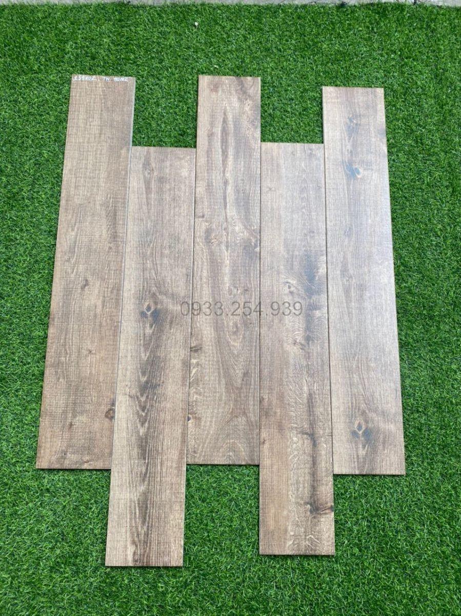 Phân phối gạch giả gỗ 15x90 giá rẻ, gạch vân gỗ 15x60, gạch lát sàn giả gỗ 15x80, gạch lát nền giả gỗ 20x120 tại Tp.HCM.Ngoài Gạch lát nền giả gỗ 20x100, chúng tôi còn có Gạch giả gỗ 15x60, gạch giả gỗ 15x80, gạch giả gỗ 20x120, gạch giả gỗ 60x60 với nhiều hãng và chất liệu khác nhau cho khách hàng đa dạng sự lựa chọn